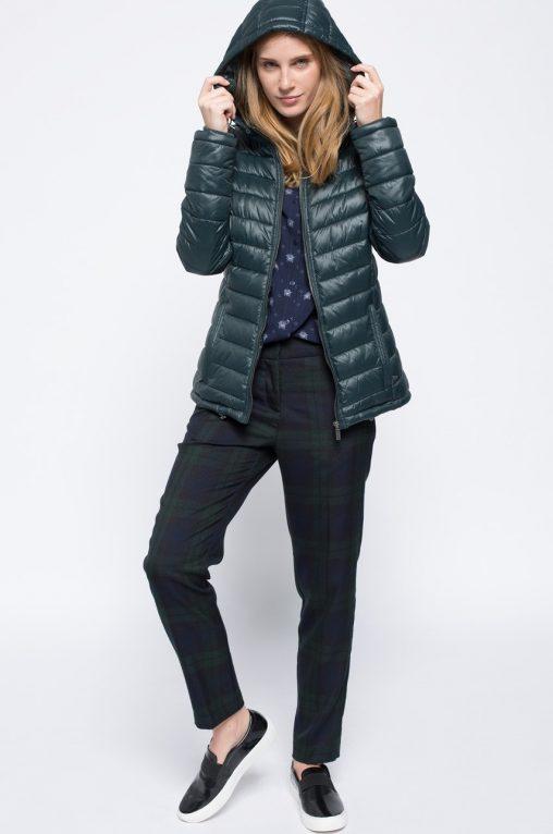 Ocieplana pikowana kurtka z kapturem, zielona