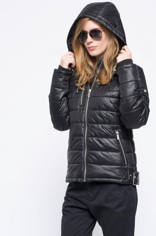 Ocieplana pikowana kurtka z kapturem, czarna