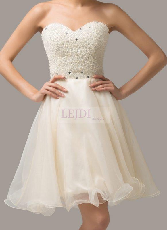 Perłowa sukienka na sylwestra