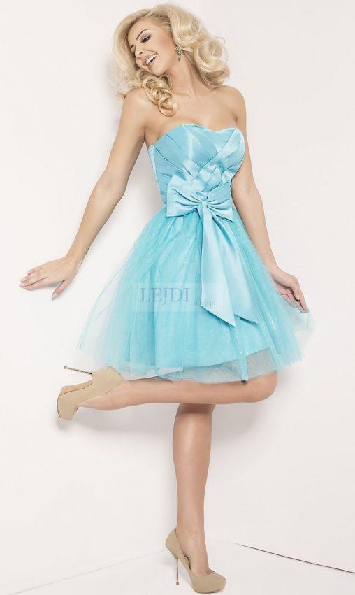 Błękitna sukienka balowa z kokardą