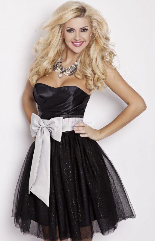 Czarna sukienka tiulowa z kokardą
