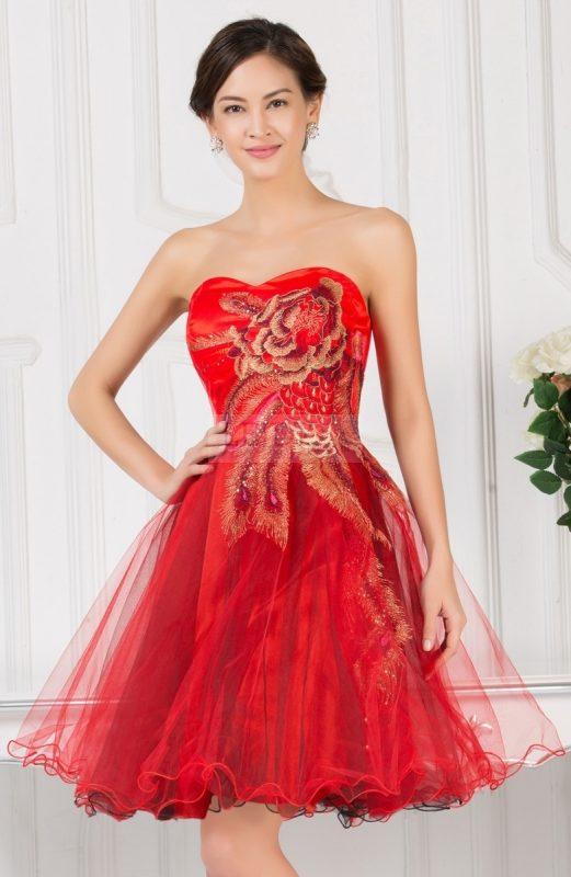 Tiulowa balowa sukienka na sylwestra lub studniówkę