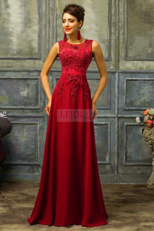 Długa wieczorowa suknia czerwona z perełkami