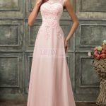 Długa wieczorowa suknia z perełkami różowa