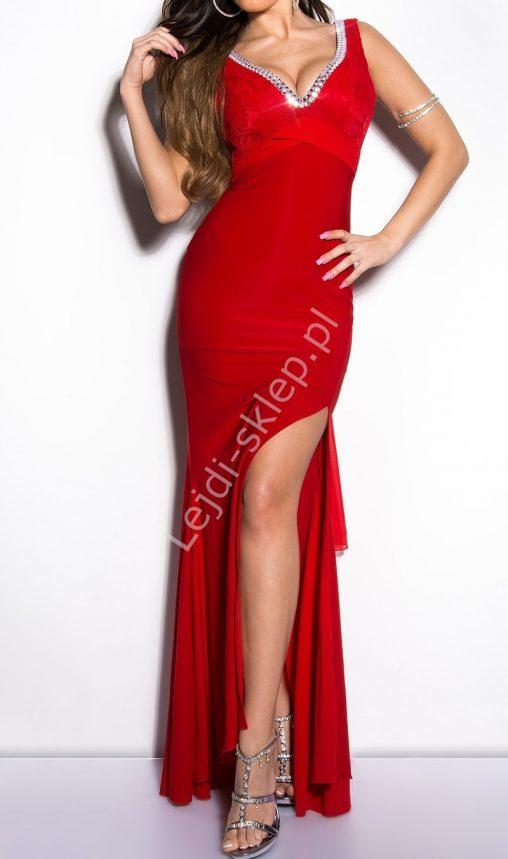 Czerwona sukienka wieczorowa z koronka i kryształkami