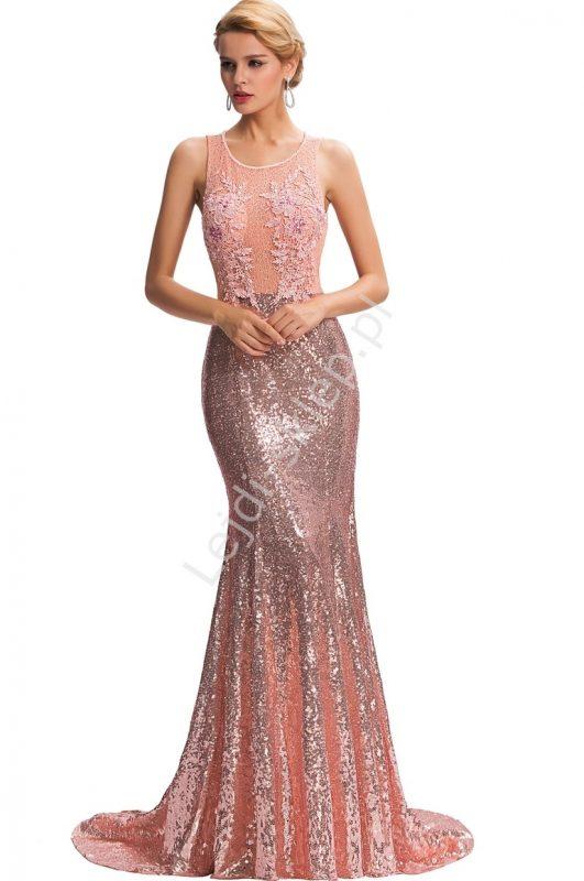 Długa wieczorowa suknia z cekinami i gipiurą
