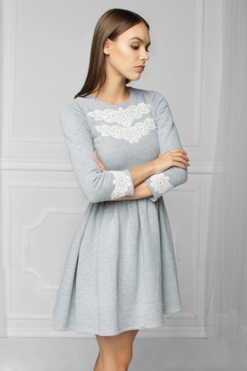 Dzianinowa rozkloszowana sukienka bawełniana szara