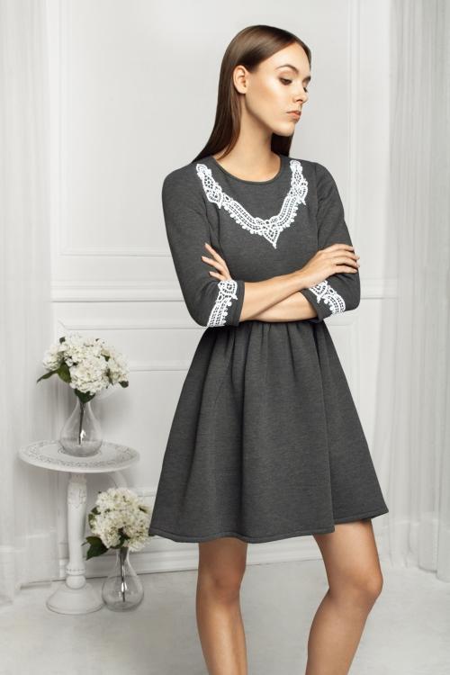 Dzianinowa rozkloszowana sukienka bawełniana grafitowa