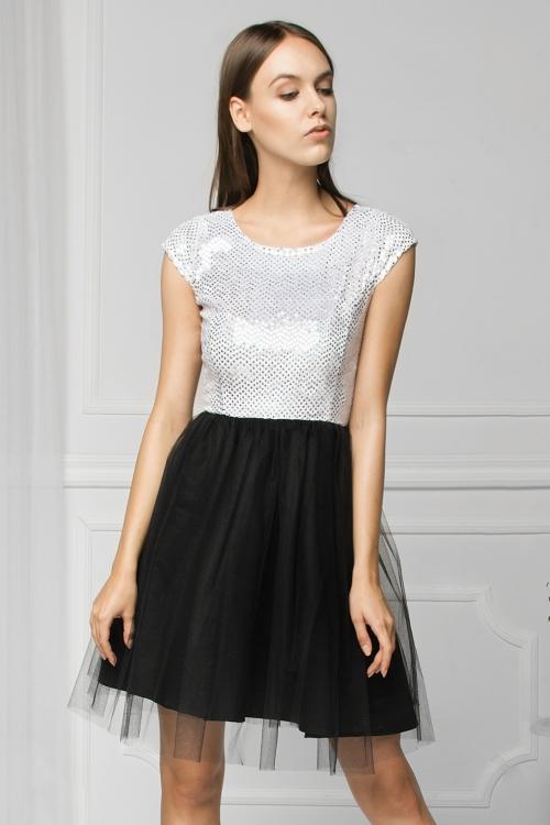 Tiulowa sukienka na wesele błyszcząca biało czarna
