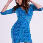 Koronkowa sukienka mini na imprezę niebieska