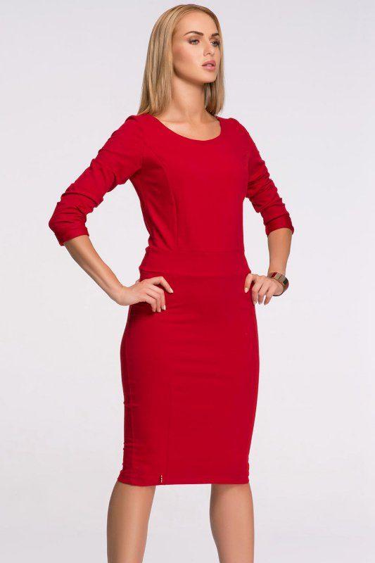 Dzianinowa sukienka do kolan czerwona