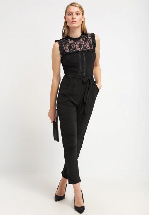 Elegancki czarny kombinezon z koronką