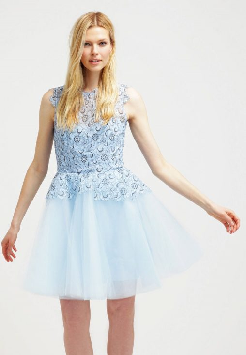 Sukienka koktajlowa na wesele błękitna