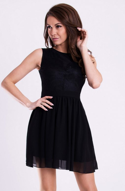 Lekka sukienka rozkloszowana czarna