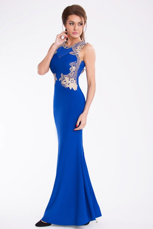 Niebieska długa suknia wieczorowa z haftem