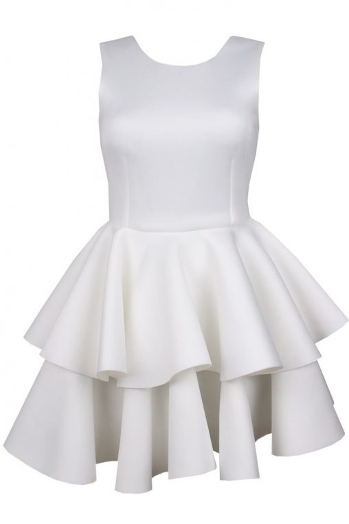 Wizytowa sukienka z falbankami ecru