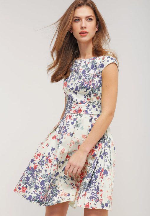 Letnia mini sukienka w kwiaty kolorowa
