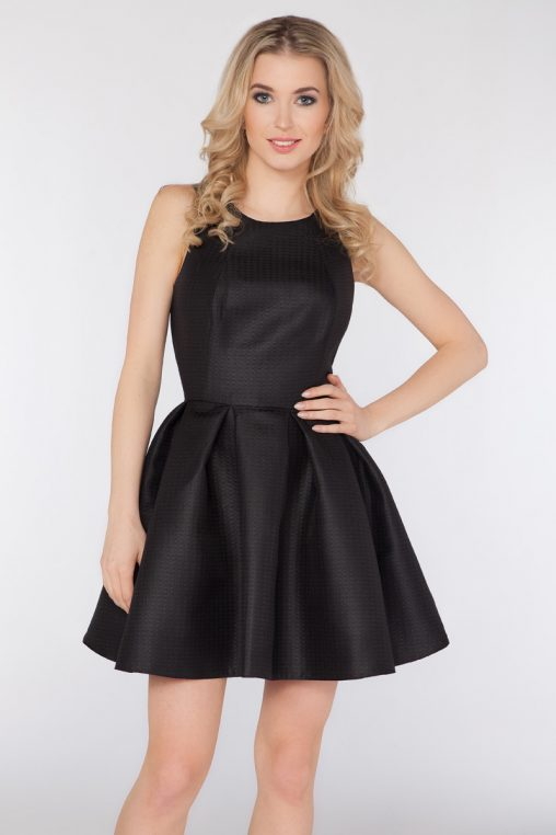 Wizytowa sukienka bez rękawów czarna