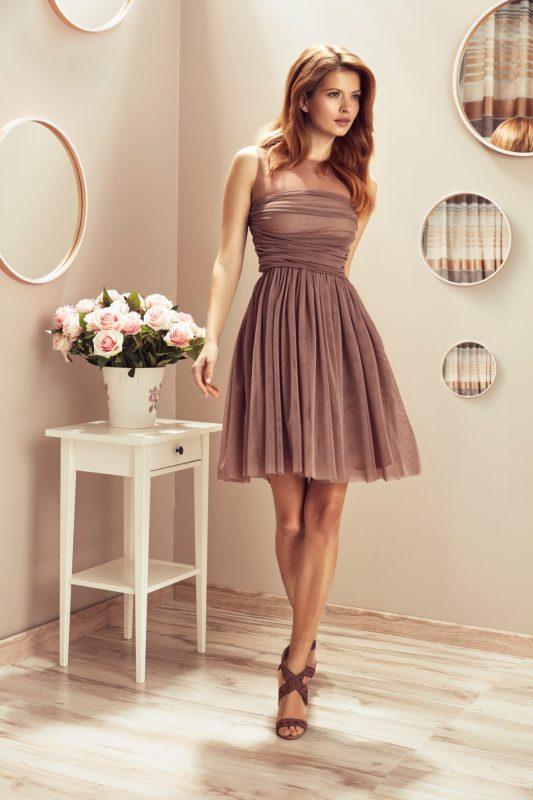 Koktajlowa sukienka bez rękawów