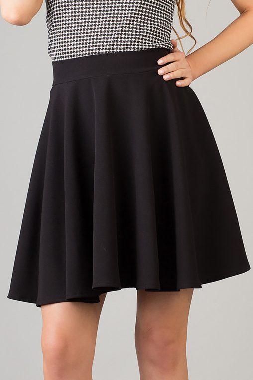 Rozkloszowana krótka spódnica mini czarna