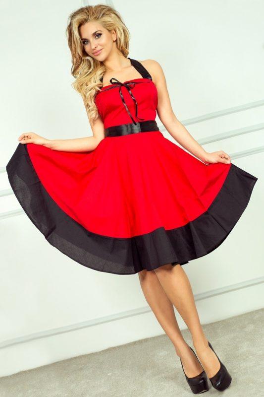 Rozkloszowana sukienka na szyję wiązana na plecach czerwona