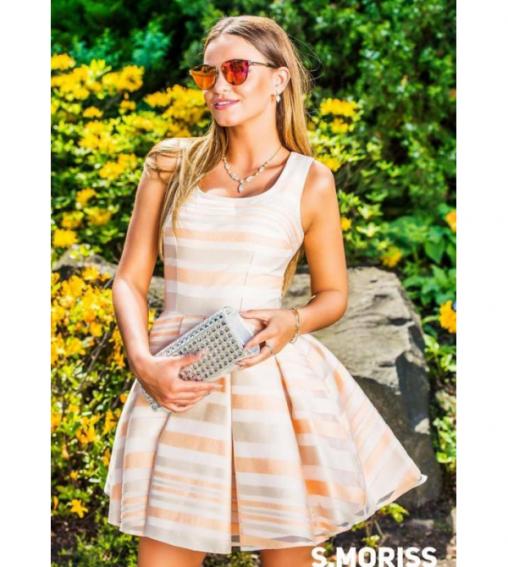 Rozkloszowana satynowa sukienka wizytowa w pasy tęczowa