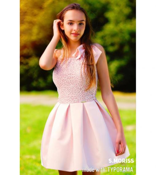 Wizytowa rozkloszowana letnia sukienka wiązana na ramieniu