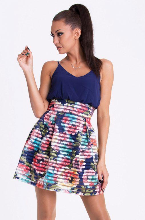Letnia sukienka bombka w kwiaty granatowa