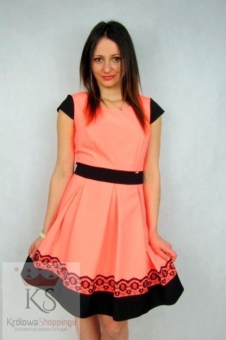 Piękne sukienki koktajlowe na wesele pomarańczowa
