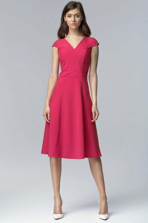 Elegancka różowa sukienka za kolano wizytowa