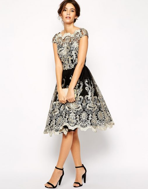 Bajeczna czarna sukienka z haftem na studniówkę lub wesele