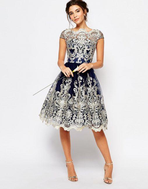 Bajeczna sukienka z haftem na studniówkę lub wesele granatowa