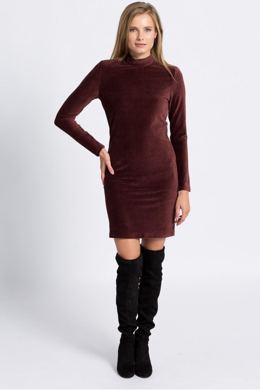 Elegancka welurowa sukienka z długim rękawem bordowa