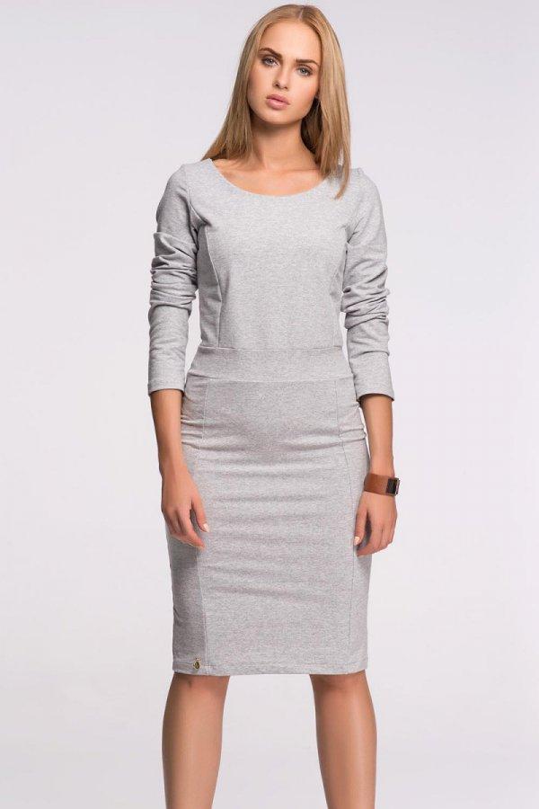 Szara dzianinowa sukienka do kolan na jesień i zimę