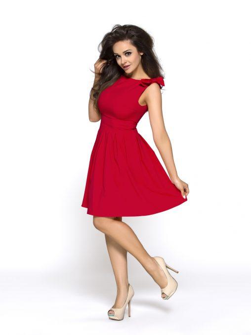 Czerwona sukienka z kokardkami na ramionach rozkloszowana