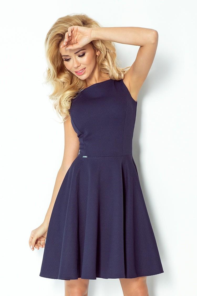 Granatowa sukienka z koła bez rękawów