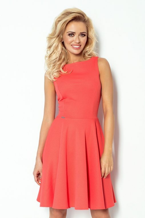 Koralowa sukienka z koła bez rękawów