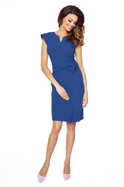 Niebieska elegancka sukienka z kokardką