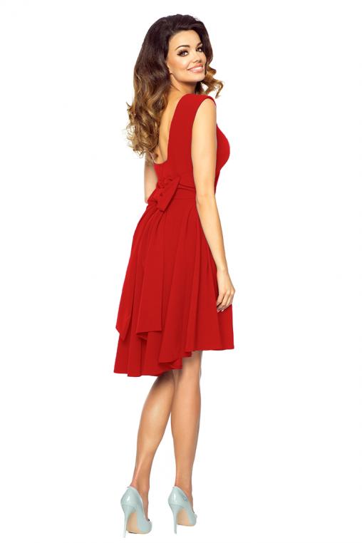 Asymetryczna sukienka z kokardą na plecach czerwona