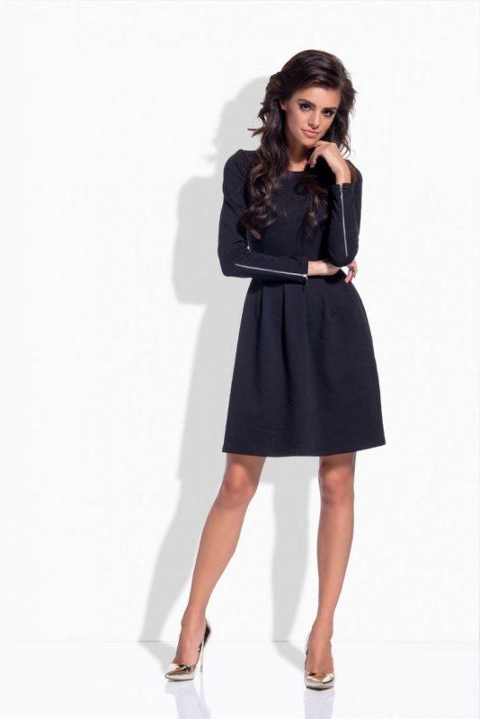 Modna rozkloszowana sukienka dzianinowa czarna