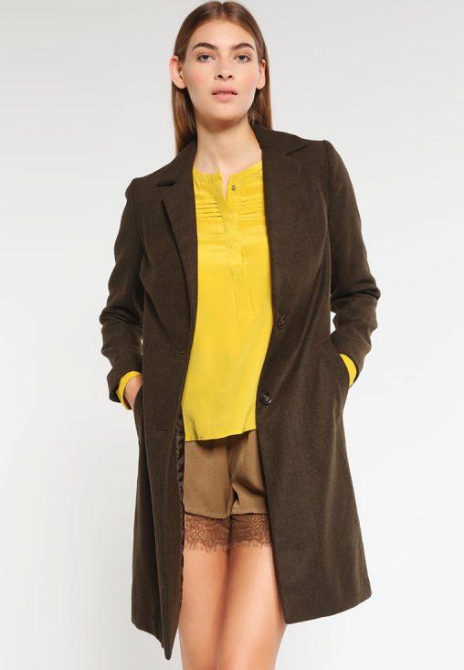Damski klasyczny płaszcz jesienny brąz
