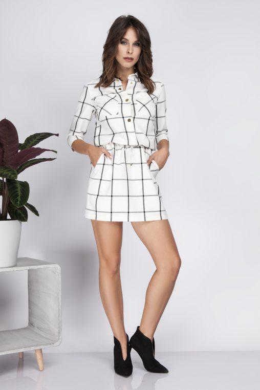 Biała koszulowa sukienka w kratę