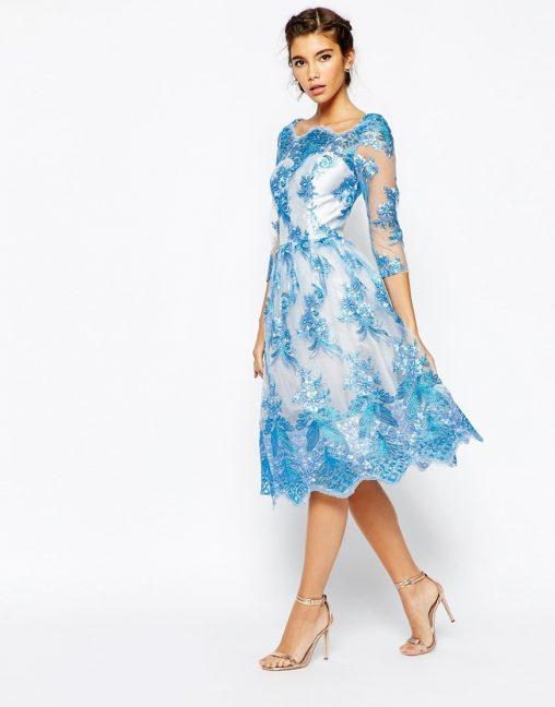 Piękna haftowana sukienka na studniówkę i wesele błękitna
