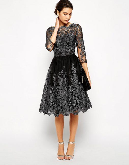 Czarna sukienka z haftem na studniówkę i wesele