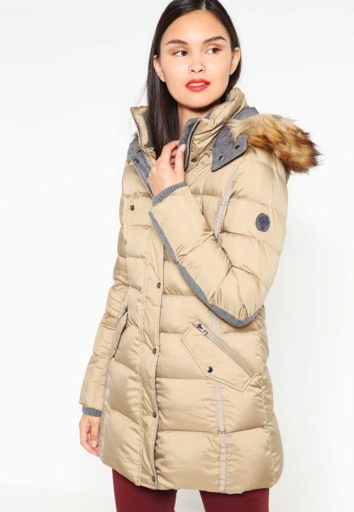 Długa puchowa kurtka damska z kapturem beżowa