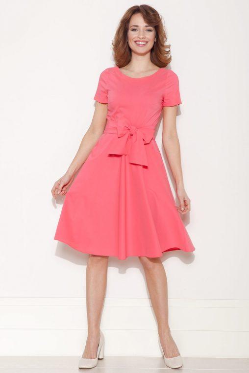 Rozkloszowana sukienka z kokardą różowa