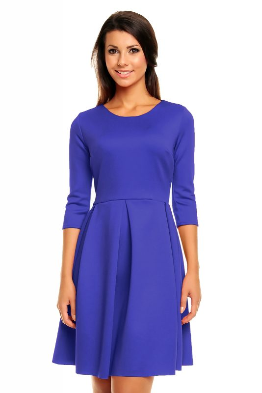 Dzianinowa niebieska sukienka rozkloszowana