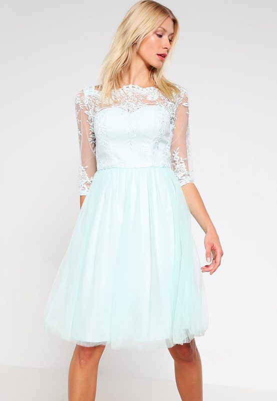 Sukienki z koronki - delikatna kreacja na wesele