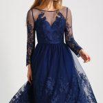 Sukienka do łydki koktajlowa kreacja na wesele