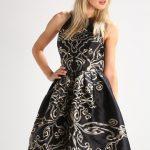 Satynowa sukienka rozkloszowana czarna